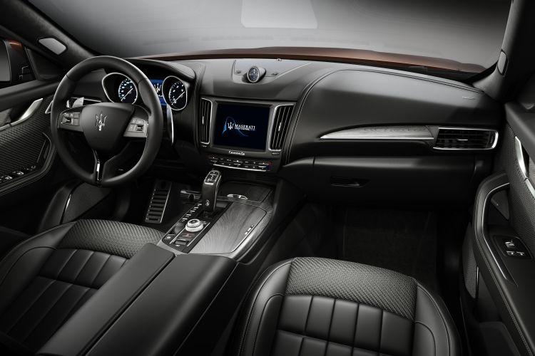 Maserati Levante S GranSport - wnętrze