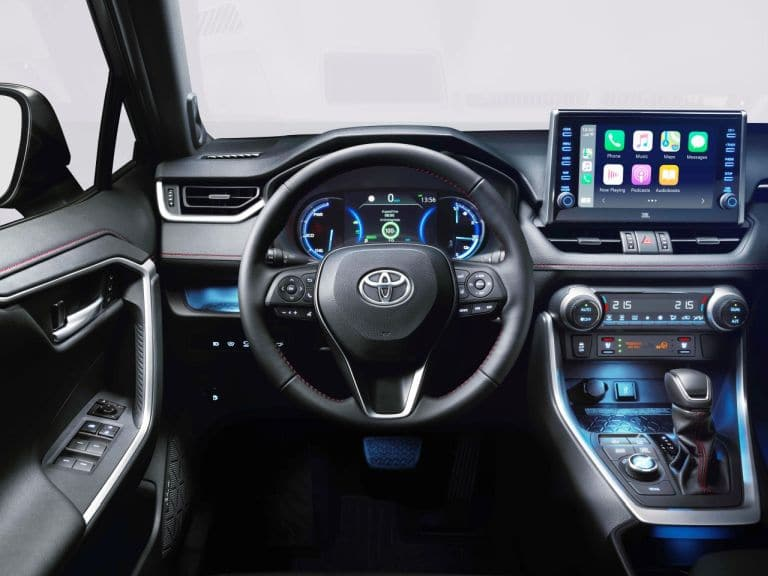 Toyota RAV4 plug-in hybrid kokpit