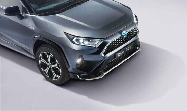 Toyota RAV4 plug-in hybrid - przód